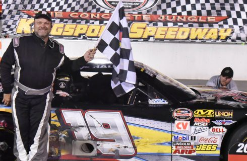 Hale and Lane Split Wins on Championship Night at Kingsport